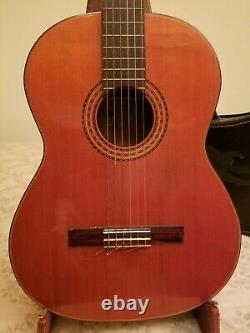 1970s Japanese made Epiphone classical guitar with chipcase excellent condition