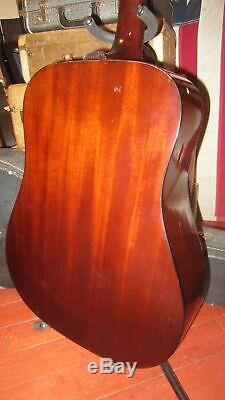 1998 Guild D-25 NT Natural Dreadnought Acoustic With Hard Shell Case USA Made