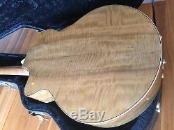 BREEDLOVE Legacy Series Auditorium Soft Cutaway Westerngitarre Made USA