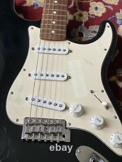 Fender 2001 Stratocaster Made in Mexico Black + Rosewood Board Electric Guitar