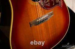 Gibson Hummingbird Custom 19741975 / Acoustic Guitar with Hardcase made in 2005