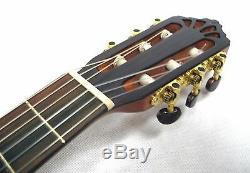 Hochwertige 4/4 Konzertgitarre, MADE IN EUROPE, Zeder MASSIV, MATT FINISH, 400