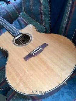 Knaggs Kipawa mini jumbo acoustic guitar made by Godin in Canada with case