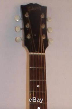 LEFT-HANDED Vintage GIBSON J-45 ACOUSTIC GUITAR withHARDSHELL CASE Bozeman-Made