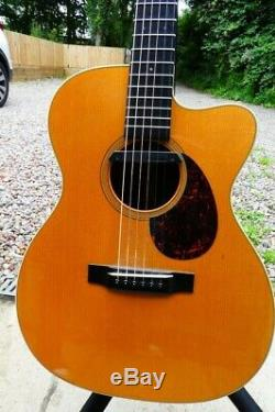 Martin CUSTOM Acoustic Guitar 2006 OM-18V Cutaway, only 10 made. Excellent Condi