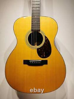 Martin Standard Series OM-21 acoustic guitar Made in USA with Hardcase