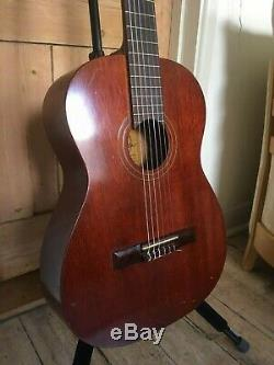 Rare and collectable Favilla C5 Overture Classical Guitar Made In New York