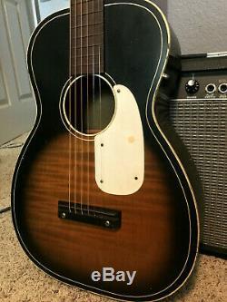 Vintage Silvertone Model 319 Acoustic Guitar Sunburst Made In USA VG