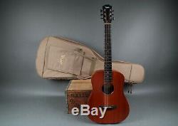 2000 Baby Taylor 301-m-gb Fabriqué En Us Guitare Acoustique Avec Housse