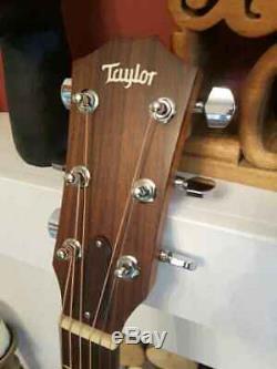 États-unis A Fait Taylor Electro Guitare Acoustique Et Étui Rigide Dans Un État Superbe