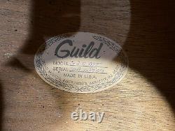 Guilde D-25 Nt 1985 Natural USA Made Good Condition Comprend Cas Dur
