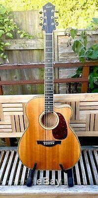 Guitare Acoustique Faite Main Par Le Luthier Britannique Kevin Parsons