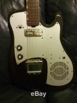 Guitare Électrique Vintage Silvertone Tg-1 (1487) Datant Des Années 60 (ampli Intégré, Fabriquée Au Japon)