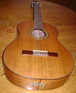 Guitare En Bois Exotique Classique Faite À La Main Par Luis Sevillano Fabriquée Au Mexique En 2003