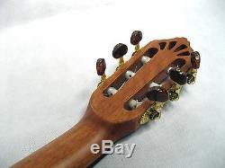 Hochwertige 4/4 Konzertgitarre, Made In Europe, Zeder Massiv, Matifiee, 400