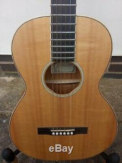 Larrivee O-01 Koa Special Edition Parlor Parlor Acoustic Guitar. Fabriqué En 2003