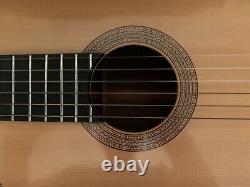 Made Acoustique De La Guitare Classique À La Main