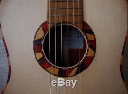 Main Classique Guitare Acoustique En Bois Massif