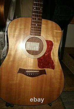 Rare Made In USA 2007 Taylor 110e Electro-acoustic Guitare Avec Sac De Concert Taylor
