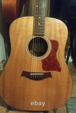 Rare Made In USA 2007 Taylor 110e Guitare Électro-acoustique Avec Sac De Concert Taylor
