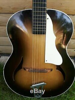 Très Rares Années 1950 Archtop Guitare Faite De By'famos F Trou Collectables Vintage Retro