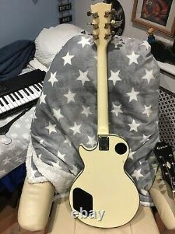 Vintage Columbus Electric Guitar Made In Japan (crème) Années 60/70