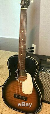 Vintage Silvertone Modèle 319 Acoustic Guitar Sunburst Made In USA Vg